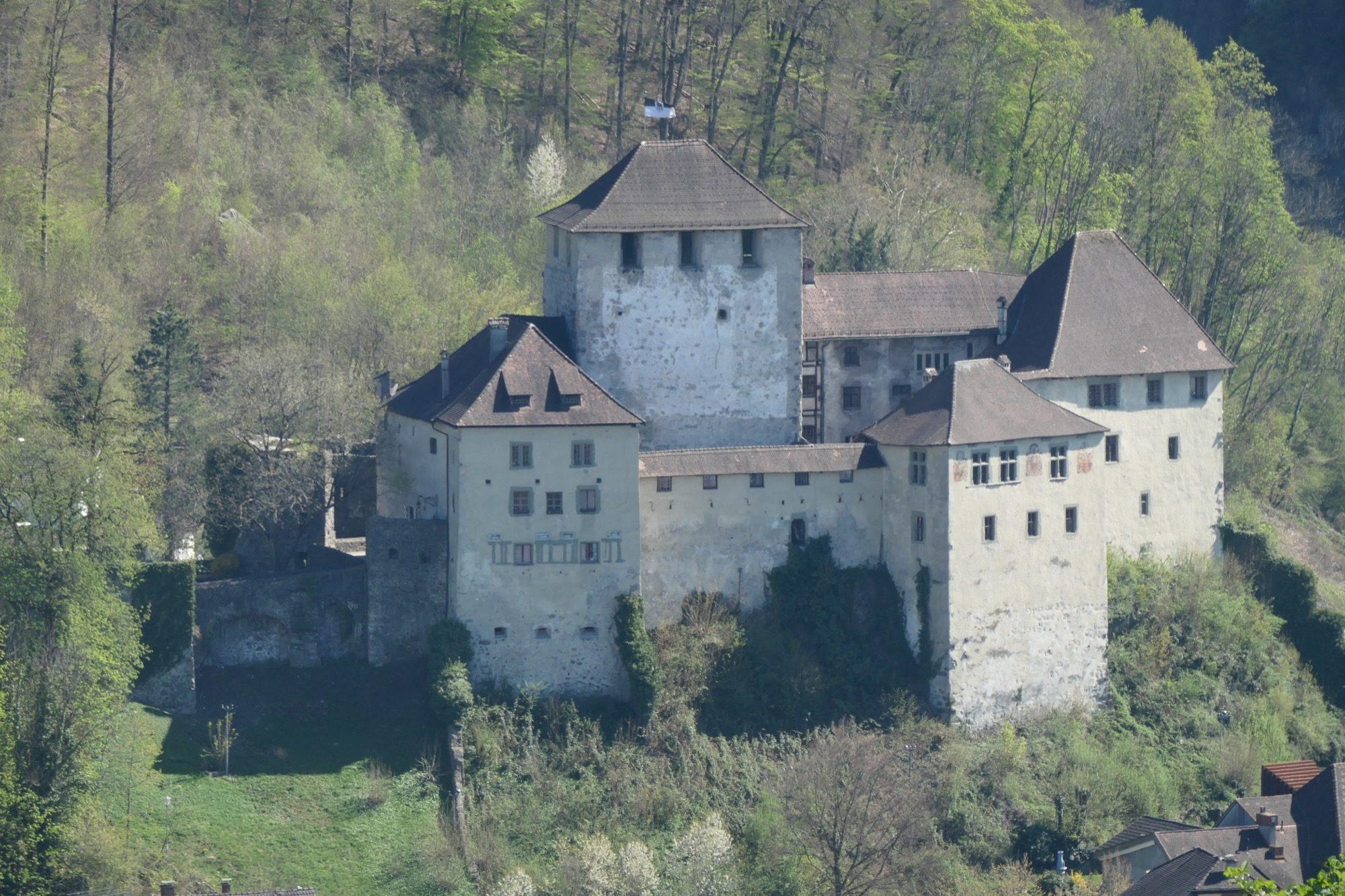 Schattenburg in Feldkrich