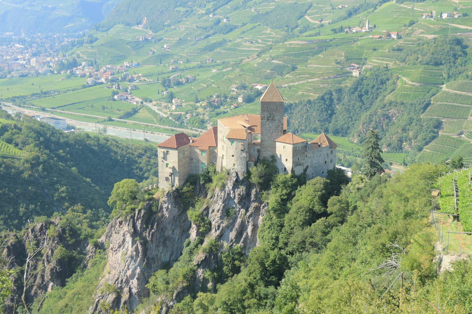 Karneid Castle