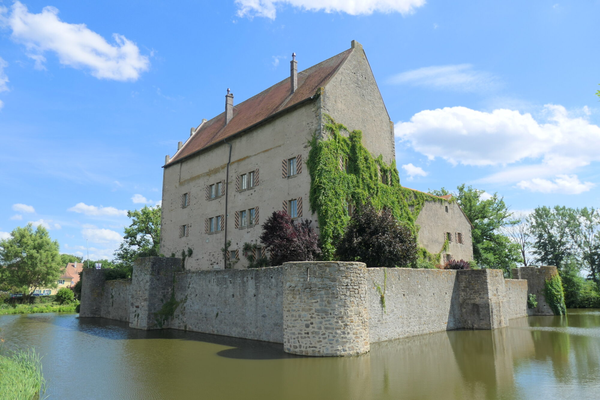 Moat of castle Sommersdorf